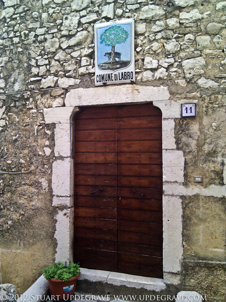 Comune di Labro (with the town's symbol, the cinghiale or wild boar).
